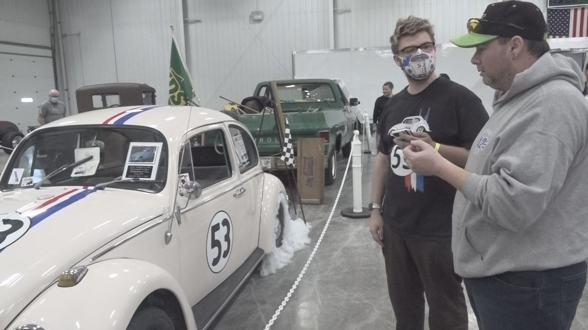 Both Dennis Hopper and Devan Thomas talked for many minutes about the iconic Herbie the Love Bug.