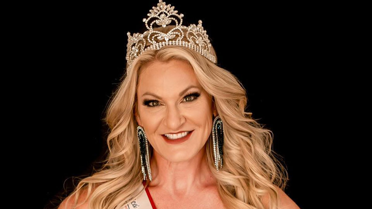 Amy Longtin was awarded the title of Mrs. North Dakota America 2020