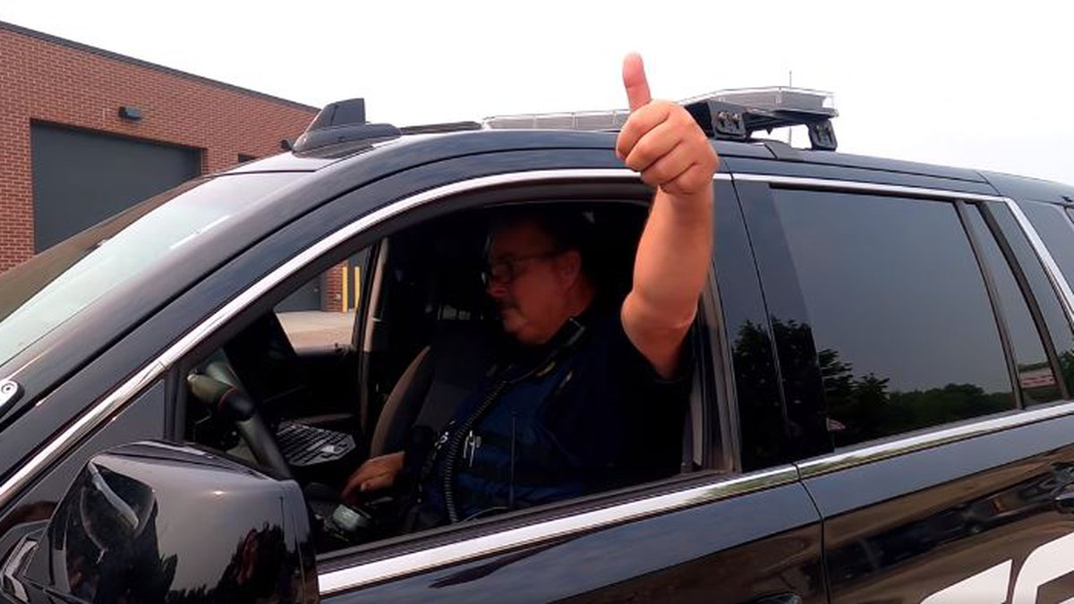 Officer Gary Bommersbach signs off.