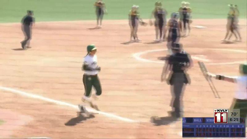 Sports - Bison Women Sweep UMKC In Summit League Softball