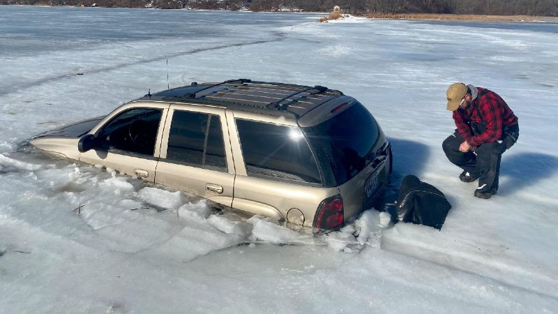 Crews recovered this SUV from Lake Lida on March 8.